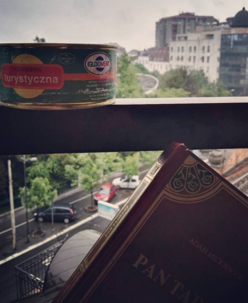 Konserwa i dumanie na belgradzkim bruku