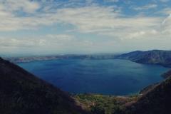 11. Laguna de Apoyo